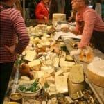 No podía faltar el queso, de nuestro pais, Francia, Inglaterra e incluso tiendas con infinidad de orígenes y tipos