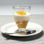 Lo sencillo triunfa: melocotón con yogur y leche condensada, una delicia