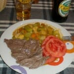 Filete con verduras, un clásico de Toconao