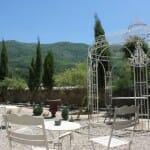El Tunel del Hada dispone de un jardín con unas excepcionales vistas al Valle
