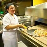 Claire preparó la rica pizza natural que probamos en Wagaboo