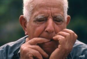 El silbo gomero es un lenguaje basado en potentes silbidos que se intenta conservar | Turismo de Canarias