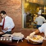 Panes hechos al horno y jamón de Joselito: buen comienzo
