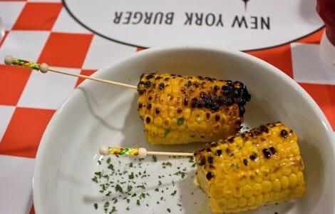Mazorca de maíz a la brasa