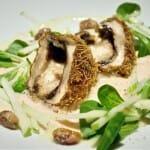 Hongo Portobelo relleno de queso de cabra con textura crujiente, ensalada de brontes de manzana verde y pistachos