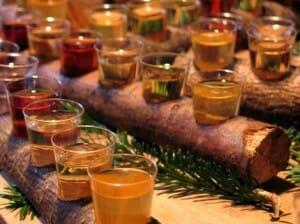 Los mercadillos ofrecen artesanía además de café, bizcochos, buñuelos artesanales o vino caliente