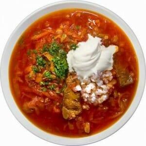 Sopa de remolacha Borsch, clásica en el menú navideño polaco