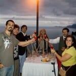 Los integrantes del viaje a Madeira brindamos con una poncha