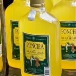 Una botella de Poncha es un souvenir inevitables en la visita a Madeira