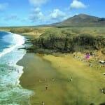 Las playas naturales ofrecen experiencias únicas en Lanzarote