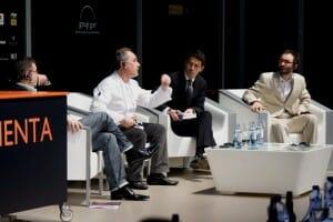 Ferran Adrià junto a John Grant y David Riu, en el debate sobre la innovación