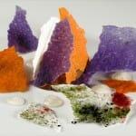 Chocolate y cristales de colores