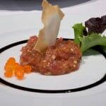 Tartar de atún rojo con caviar de salmón