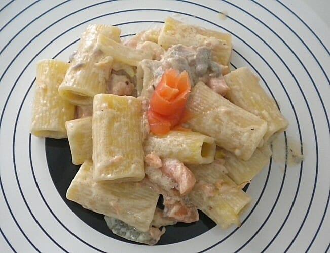 Pasta a la Carbonara con salmón ahumado