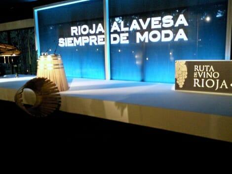 Vista del escenario donde se presentó la Ruta del Vino de Rioja Alavesa