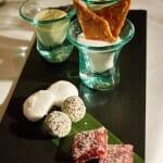 Petifour: Lichie con mango Lassi, Trufa de naranja, Gominola de frambuesa y Marsmellow de yuzu