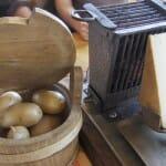 La raclette es otro de los platos de la zona donde el queso es protagonista