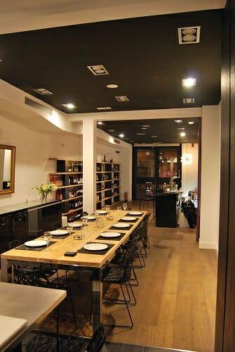Kitchen Club es un espacio íntimo, sofisticado y de cuidado diseño