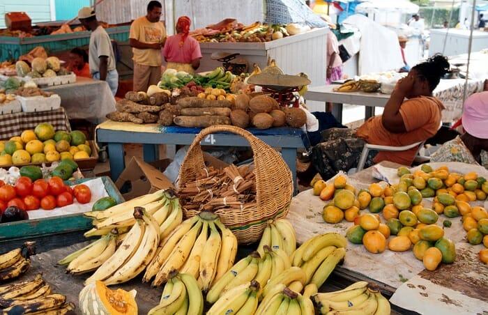 Mercado tradicional de frutas exóticas