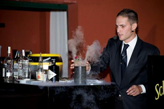 Los 31 finalistas compitieron en una eliminatoria en la que disponían tan sólo de cuatro minutos prar elaborar el Gin&Tonic perfecto