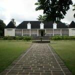 Saint Aubin. Antigua casa colonial