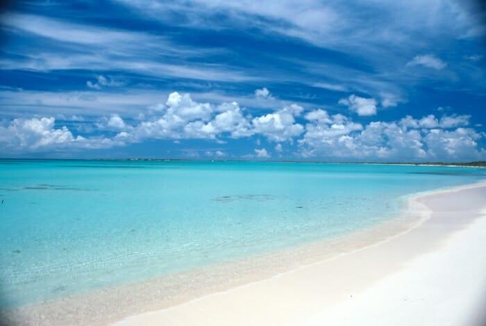 Barbuda tiene una playa de unos 45 kilómetros de longitud en su costa oeste