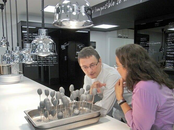 El chef vasco conversa con nuestra directora