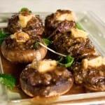 Champiñones rellenos de foie y jabugo