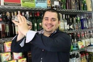 Héctor Henche ha creado los cuatro cócteles que componen Vichy Catalán drinks