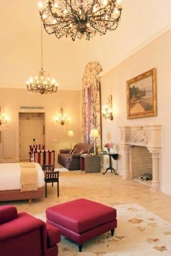 El Hotel Hilton Sa Torre Mallorca cuenta con 90 habitaciones, combinando un estilo de decoración clásico y confortable con otro más actual y sofisticado