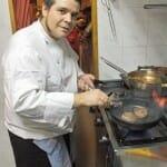 Pedro González de Castro, en la cocina de La Cuadrilla