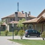 La Finca de Duque dispone de Casa Rural, Salón para celebraciones y el restaurante