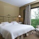 Las habitaciones de la casa rural complementan la experiencia con un descanso sin un solo ruido
