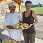 Chantal y Pierre Alcun Vedry, dueños de la Quesería Fromagerie Pierre Alain Uldry en Pont-La-Ville, nos enseñaron cómo se fabrica el queso Gruyère