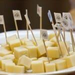 El Gruyère, con sus diferentes maduraciones, da lugar a quesos con variadas texturas y sabores