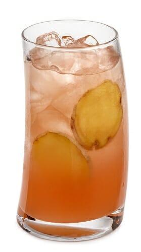 Cuatro cócteles saludables sin alcohol para refrescarnos este verano