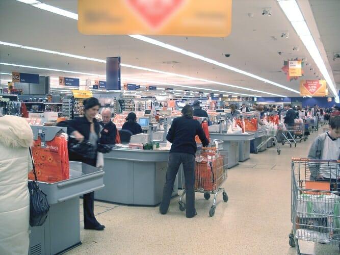El ahorro anual en la cesta de la compra de marcas puede llegar hasta casi 3.200 euros en Madrid