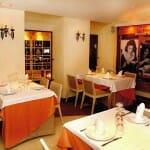 La Trattoria San Paolo dispone de una sala amplia, bien decorada, y con zonas más privadas