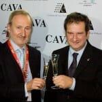 El alcalde de Barcelona recibió a los visitantes y brindó por la iniciativa