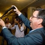Jaime Armengol, de Juvé y Camps, nos mostró como se deben colocar las botellas de cava