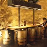 La Hospedería Los Parajes dispone de una bodega con un calao muy agradable para tomar un buen vino