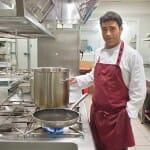 Emilio José Contreras, chef del restaurante, en su cocina