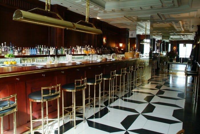 La barra de martinis, de 10 metros de longitud, será uno de los lugares más concurridos del nuevo local
