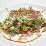Ensalada de Pichón con brotes de germinados y queso Idiazabal con aliño de vinagreta de avellana y trufa de verano