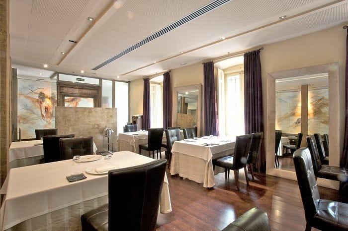 Zorzal dispone de un salón espacioso y elegante con todos los detalles