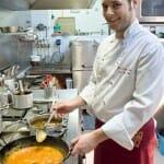 Los platos mantienen intactos sus sabores de antaño a pesar del progresivo relevo generacional en la cocina
