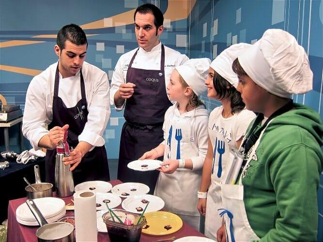 Microchefs tiene por objetivo crear un vínculo junto con las familias para contribuir en la educación hacia hábitos alimenticios saludables de los niños españoles