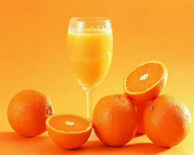 Zumo de cítricos: naranjas, limones o pomelos rosas, vitaminas que se beben