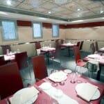 PaloB ofrece diferentes ambientes con buena iluminación, que dan un aspecto acogedor al comedor
