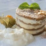 Tartita de galletas de café con yogur y leche condensada